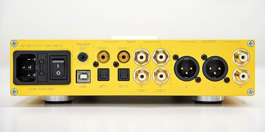 Preamplificator NUPRiME DAC-10HSE Demian Martin 24K Gold Plated Limited Edition